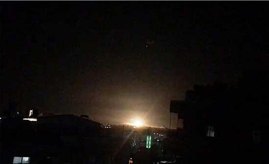 سماع دوي انفجار في سماء محيط مدينة دمشق وأنباء عن عدوان إسرائيلي .. بالفيديو