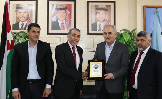 الدكتور ياسين الرواشدة يزور جامعة الزرقاء