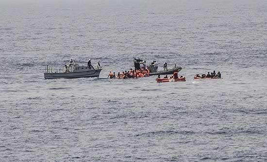 إنقاذ 100 مهاجر قبالة السواحل التونسية