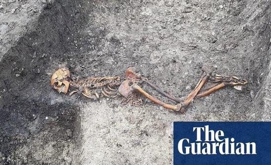 العثور على جثة من العصر الحديدي مقيدة اليدين