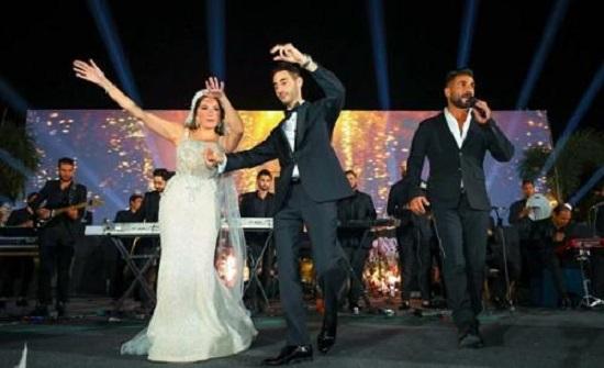 عروس تنهار بالبكاء وتغادر حفلها بسبب فنان مصري