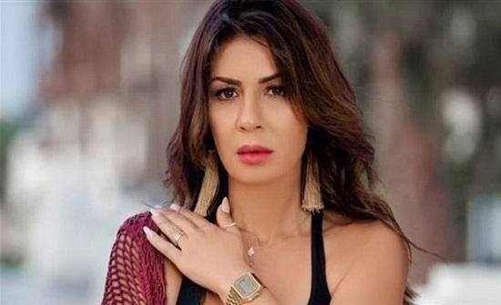 كيف ردت نجلاء بدر على انتقادات ملابسها الجريئة ورقصها الغجري.. فيديو