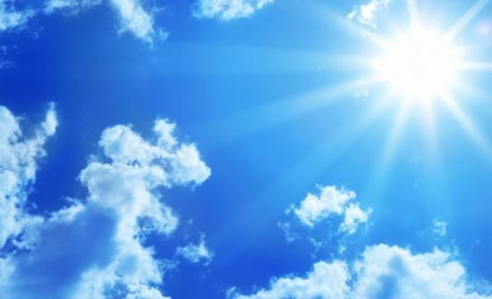 أجواء مشمسة وحارة نسبيا الجمعة