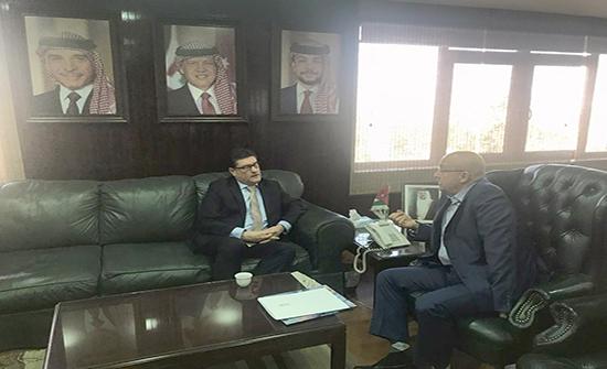 وزير المياه والري يبحث والسفير الهنغاري التعاون المشترك