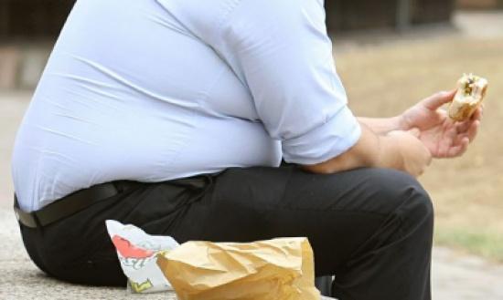 دراسة يابانية :  ترك العشاء يؤدي لزيادة الوزن والسمنة