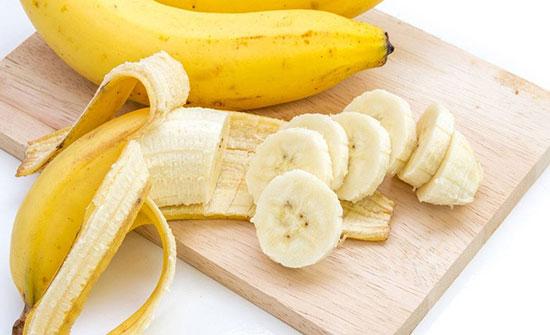 أكثروا من الموز.. فوائده صحية ونفسية أيضاً!
