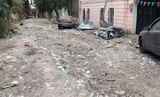 """أرمينيا تقصف """"بردة"""" الأذربيجانية بقنابل عنقودية"""
