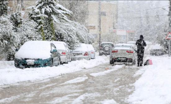 شاهد  : فرحة الاردنيين بالثلج