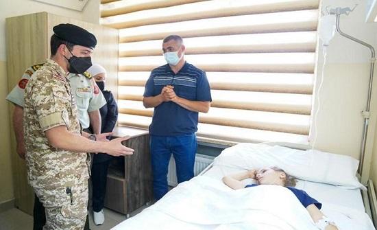 ولي العهد يعود الطفلة اللبنانية المصابة التي وصلت الى الاردن للعلاج بتوجيهات ملكية