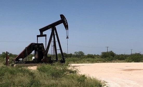 تعهد السعودية بتخفيضات أكبر يقفز بأسعار النفط 3%