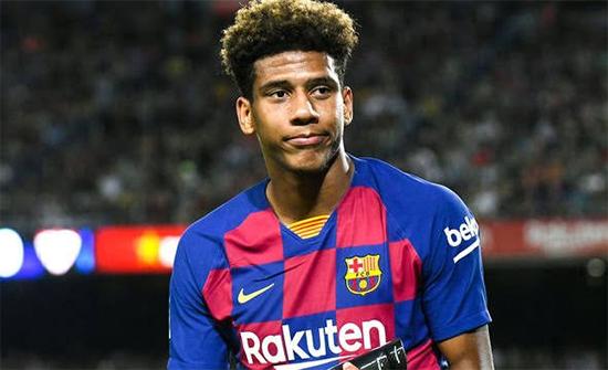 رسميًا: لاعب برشلونة ينضم إلى شالكه