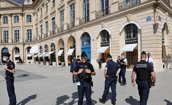 ايطاليا : ضرب شرطيا ليدخل السجن بدل الإقامة الجبرية مع حماته!