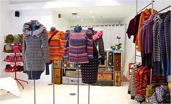 10 مخالفات لتجار ألبسة في معان