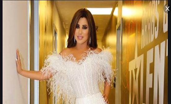 صور: الفستان الأبيض خيار موفّق للنجمات العربيات.. من الأجمل؟