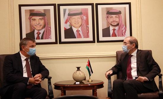 وزير الخارجية يبحث مع لازاريني توفير الدعم للاونروا