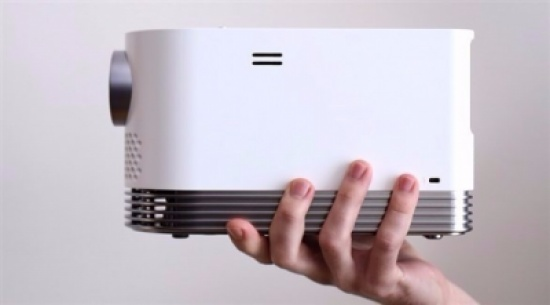 شركة إل جي تعتزم إطلاق جهاز إسقاط بإضاءة تصل إلى 2000 شمعة