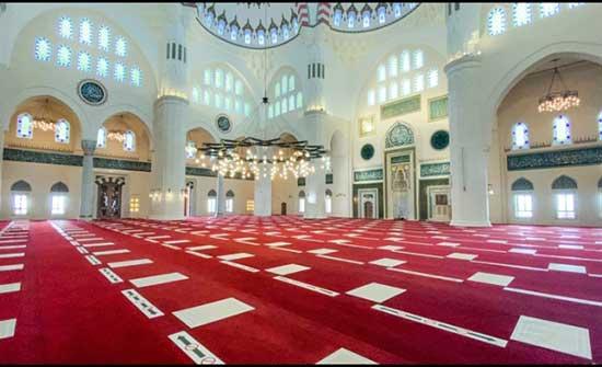 الحكومة : اقتراح بالسماح بصلاة الفجر في المساجد خلال شهر رمضان