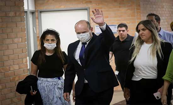 إعلام إسرائيلي: نفتالي بينيت قرر تشكيل حكومة مع يائير لابيد بدون نتنياهو
