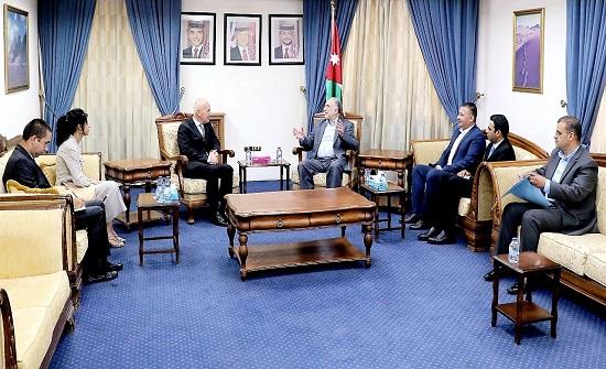 الوحش يؤكد ضرورة دعم المساعي الأردنية بالدفاع عن القضية الفلسطينية - صور