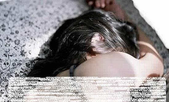 يختطفون فتاة ويسلمونها مقابل مبلغ مادي لبعض الشباب لافعال مخلة في تونس