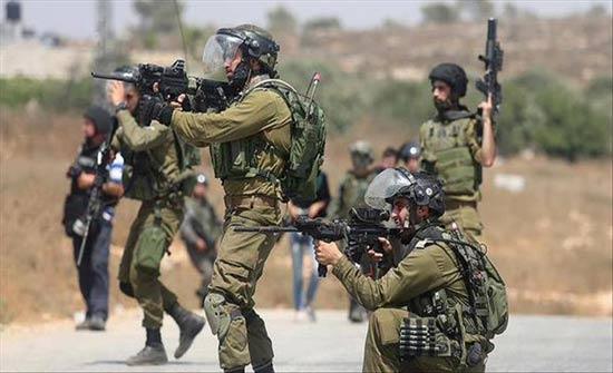 """إصابة فلسطيني بجراح """"خطيرة"""" بمواجهات مع الجيش الإسرائيلي بالضفة"""
