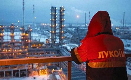 موسكو تقلص حصة النفط في ميزانية السنوات المقبلة
