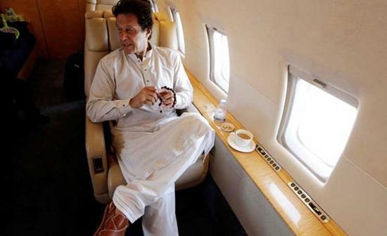 طائرة رئيس وزراء باكستان تهبط اضطراريا في نيويورك بسبب عطل فني