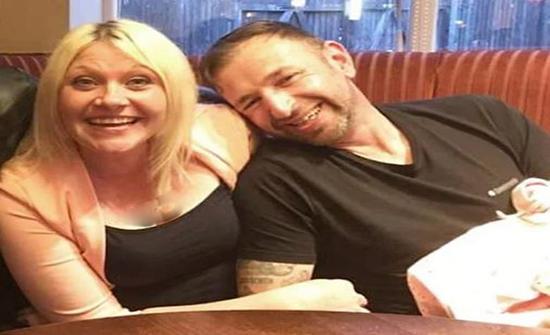بريطانيا: واتساب وسناب شات يفضحان زوج استغل صور زوجته بطريقة لا أخلاقية