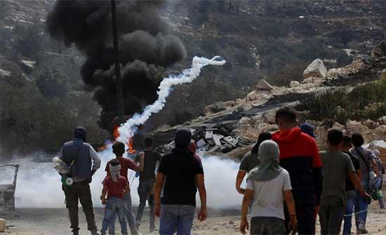 استشهاد فلسطيني واصابة العشرات برصاص الاحتلال الإسرائيلي في نابلس .. بالفيديو