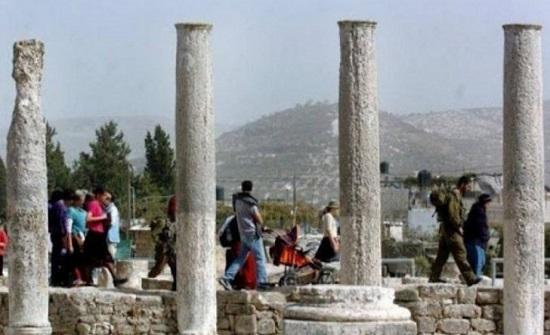 الاحتلال يغلق الموقع الأثري في سبسطية شمالي نابلس