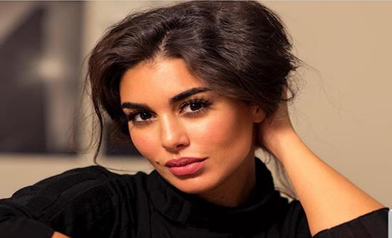 كيم كاردشيان مصر.. ياسمين صبري تثير الجدل بإطلالة جديدة