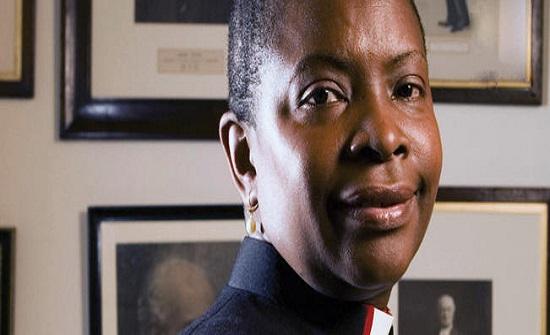 تنصيب أول امرأة سمراء البشرة أسقفا بكنيسة إنجلترا