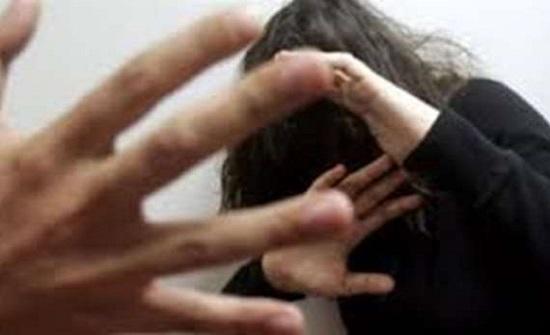هزت السعودية.. يحرق زوجته بعد حلق شعرها