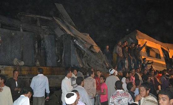 مصر: اصطدام قطارين وخروج 3 عربات عن القضبان فى سوهاج.. فيديو