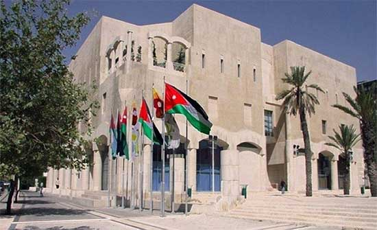 اقرار مسودة تعليمات إنشاء وترخيص لافتات إعلانية استثمارية في عمان