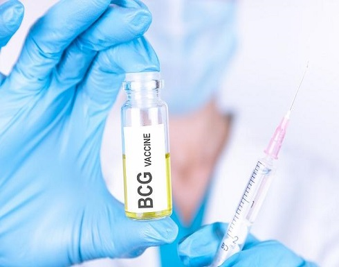 """أول إشارة إلى أنه لا يحمي بشكل كلي.. أمريكا تكشف عن 5800 حالة """"اختراق"""" للقاح فيروس كورونا"""
