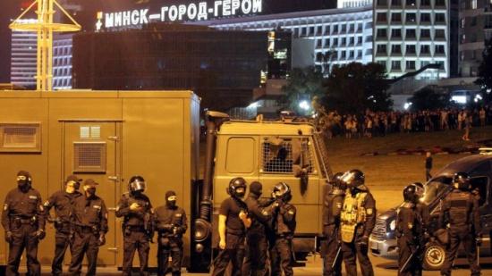 رد منسق.. عقوبات دولية واسعة على بيلاروسيا