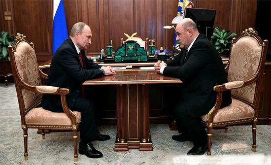 بوتين يرشح ميشوستين لتولي رئاسة الوزراء في روسيا