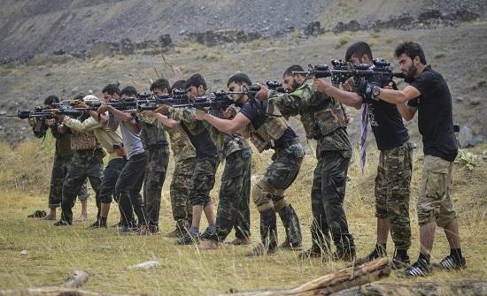 أعنف مواجهات بين قوات أحمد مسعود وطالبان منذ الانسحاب الأميركي