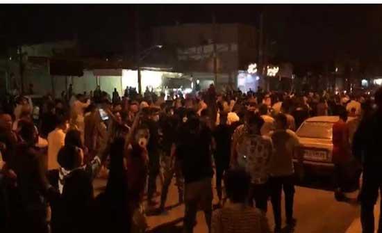 احتجاجات الأهواز تدخل يومها العاشر و وعود بمزيد من الغضب .. بالفيديو
