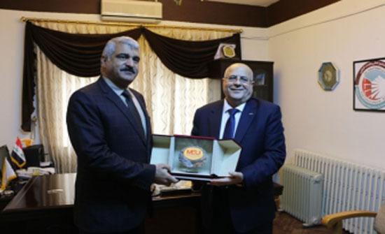 نائب رئيس جامعة الشرق الأوسط يلتقي الملحق الثقافي العراقي