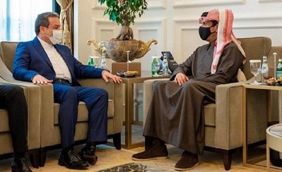 وزير الخارجية القطري يلتقي مساعد وزير الخارجية الإيراني في الدوحة