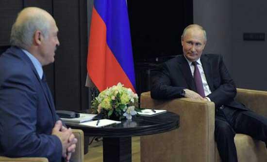 """بوتين للوكاشينكو: الأوضاع حول حادث هبوط طائرة """"Ryanair"""" انفجار عاطفي"""