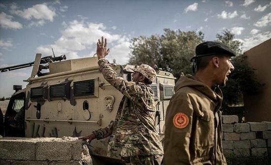 الجيش الليبي يستهدف شاحنة وقود لمليشيات حفتر