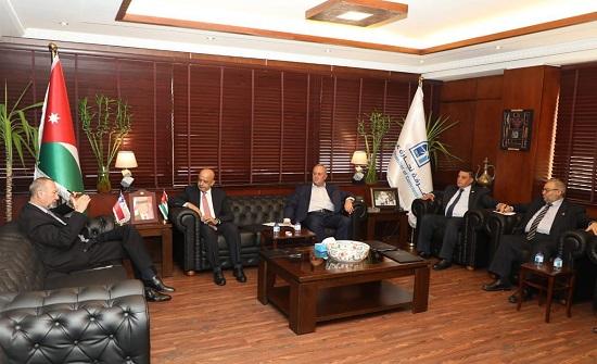 غرفة تجارة عمان تلتقي السفير التشيلي