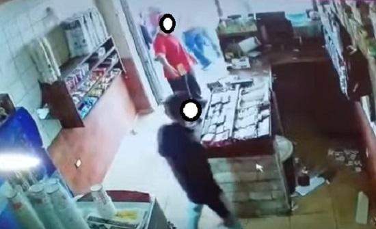 القبض على اشخاص اعتدوا على عربي في عمان