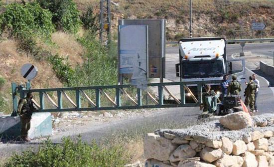 قوات الاحتلال تستولي على آليات في نابلس تستخدم لتعبيد الشوارع