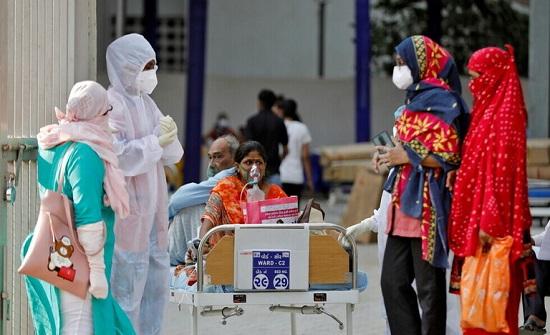 الهند تستعين بأطباء الجيش لكبح جماح كورونا