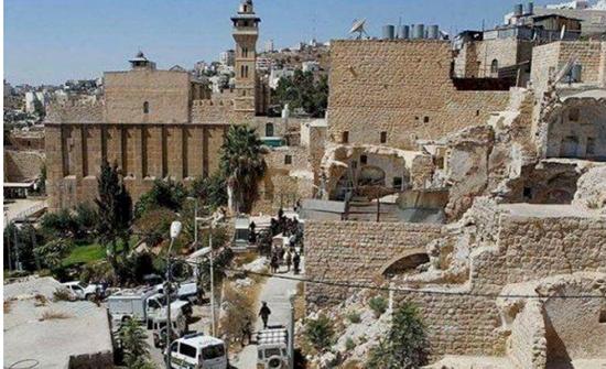 الاحتلال الاسرائيلي يمنع رفع الأذان بالحرم الإبراهيمي في الخليل 52 وقتا