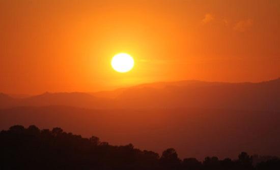 الثلاثاء : طقس حار و جاف و مُغبر في أغلب المناطق